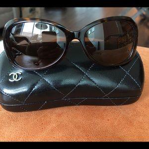 Chanel Tortoise Shell 'CC' logo 5148 sunglasses